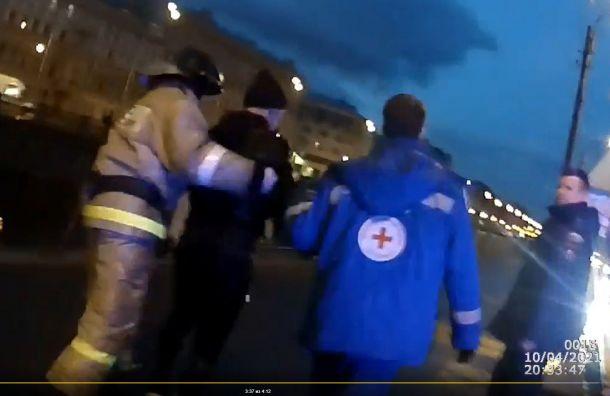 Полицейские спасли мужчин, тонувших вводе