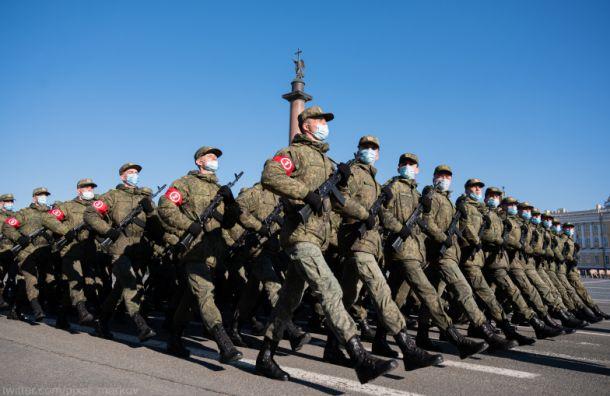 НаДворцовой площади прошла репетиция парада Победы