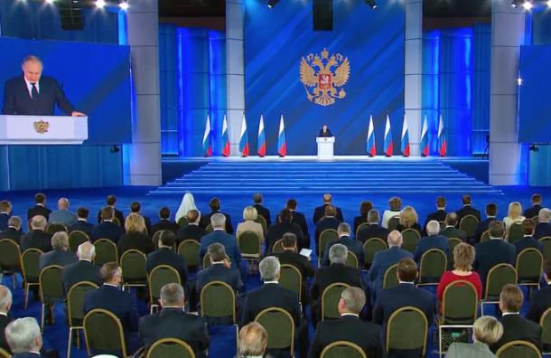 «Прошу вас, сделайте прививку»: Путин опандемии коронавируса
