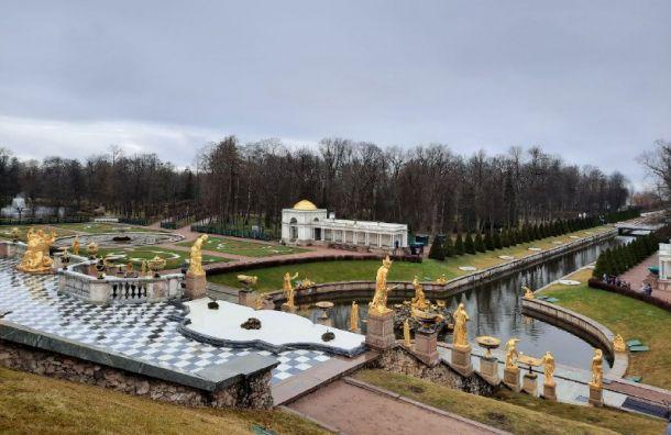 Петергоф открыл летний сезон, посвященный 300-летию фонтанов и вольеров