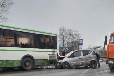 ВДТП савтобусом под Бокситогорском погибли четыре человека