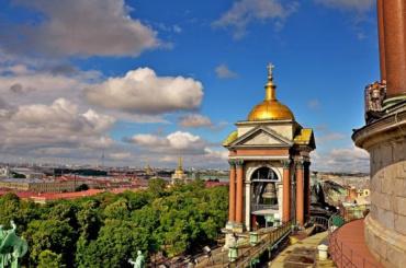 Петербург находится напериферии двух циклонов