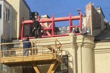Надоме Челищева жильцы надстраивают этаж