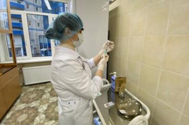 Почти полмиллиона петербуржцев привились откоронавируса