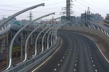 Дорожное покрытие наКАД изнашивается из-за загруженности трассы