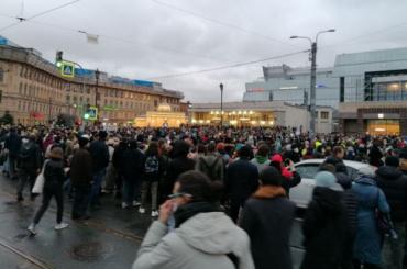 Петербургский суд впервые наказал участника митинга обязательными работами