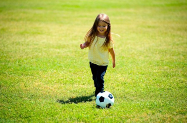 «Зенит» будет бесплатно учить девочек играть вфутбол