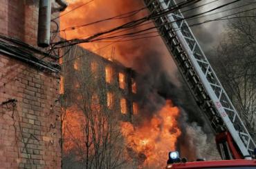 СКвозбудил уголовное дело пофакту пожара наНевской мануфактуре