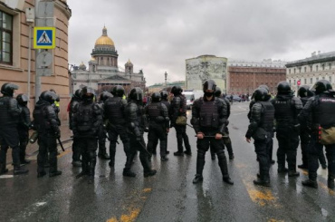 ВПетербурге проходит несанкционированная акция: онлайн-трансляция