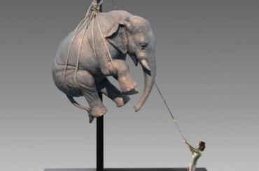 Слона иносорога подвесят вПетербурге