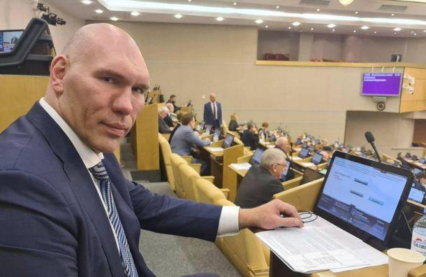 «Краев невидит»: петербуржцы заметили похожего наВалуева автохама