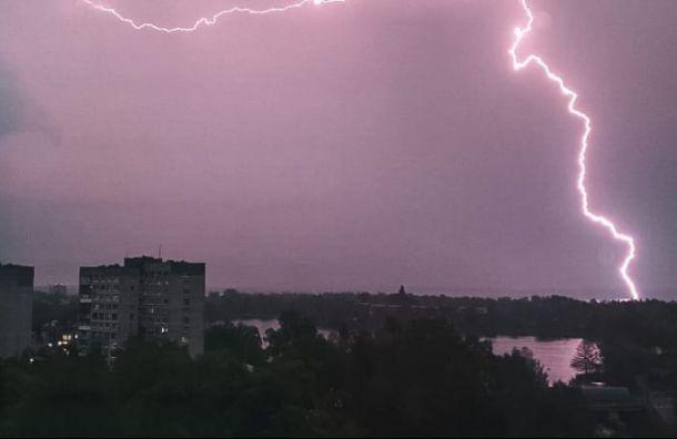 Петербуржцев снова ожидают дожди игрозы