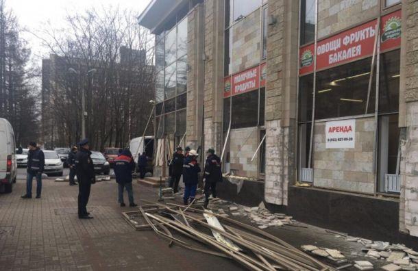 НаЭнгельса снесли незаконный двухэтажный бизнес-центр
