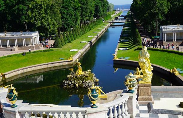 Петербургские музеи стали самыми посещаемыми встране намайских праздниках