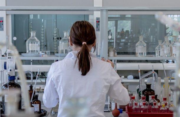 Число случаев заражения COVID-19 вПетербурге увеличилось почти на40%