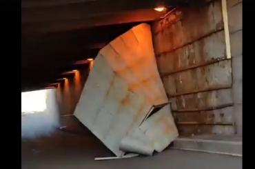 Под Литейным мостом обрушилась часть облицовки Левобережного тоннеля