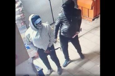 Полиция задержала мужчин, которые воровали только сигареты иалкоголь