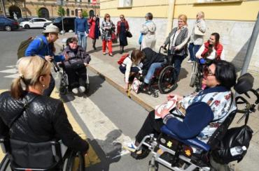 «Ленэнерго» беззастенчиво отсудил уорганизации инвалидов 212 тысяч рублей