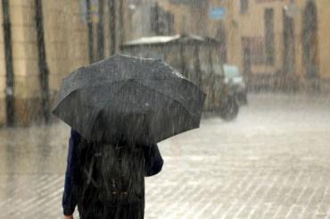 МЧС предупреждает орекордных посиле ливнях вПетербурге