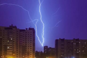 Фоторепортаж: ночью вПетербурге прошла гроза