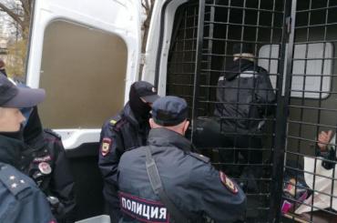 Суд арестовал Крисевича на10 суток заакцию вцентре Петербурга