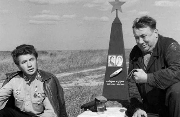 Россияне назвали любимые фильмы ипесни овойне