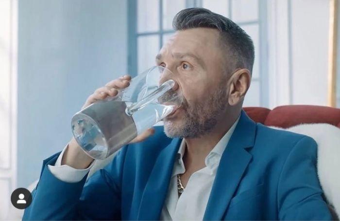 Петербурженка подала всуд наСергея Шнурова замат впесне «ВПитере— пить»
