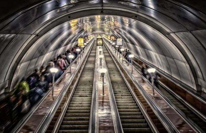 Движение поездов посиней ветке метро полностью восстановили