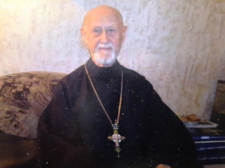 Виктор Голубев стал священником (1).jpg