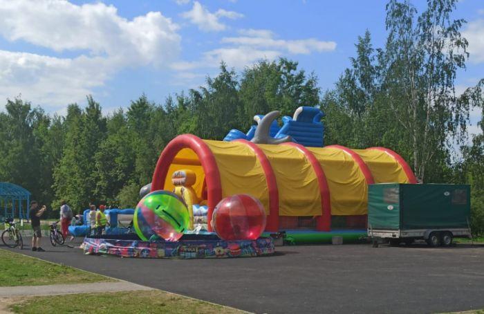 НаБогатырском убрали незаконный парк развлечений для детей