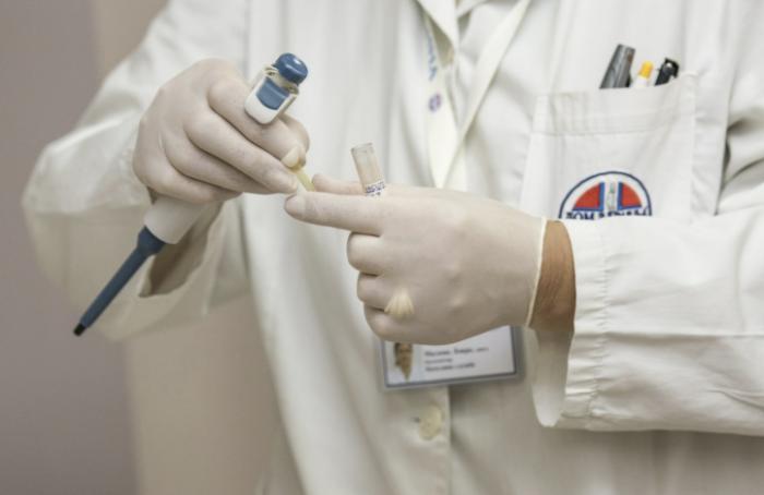 Больницам требуются врачи