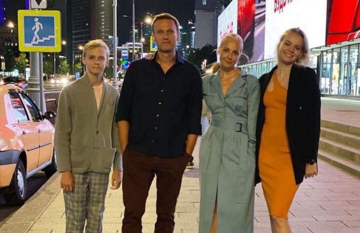 Навальный подвел итоги года ипоблагодарил запоздравления сднем рождения