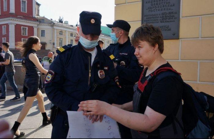 Активисты провели пикеты вподдержку Павла Крисевича иНики Самусик