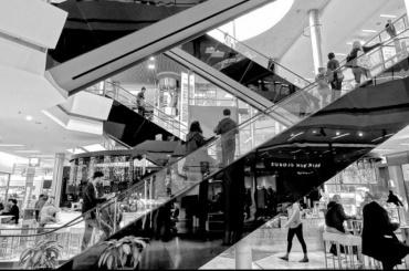 Роспотребнадзор опечатал три торговых центра вПетербурге из-за нарушений