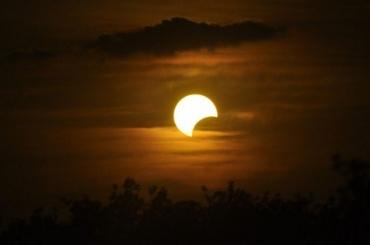ВПетербурге можно будет увидеть солнечное затмение