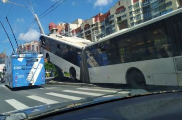 Названа причина ДТП савтобусом наЛенинском проспекте
