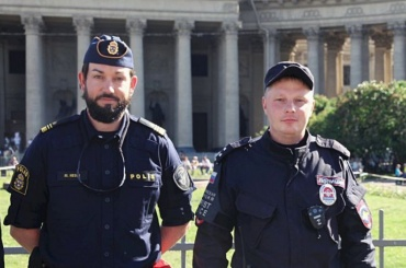 Шведские полицейские патрулируют центр Петербурга