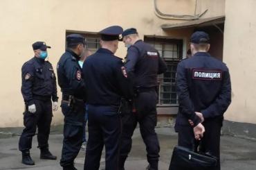 ВПетербурге полиция пришла навыставку-аукцион вподдержку политзаключенных