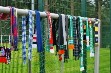 Быть футбольным болельщиком вПетербурге загод стало затратнее