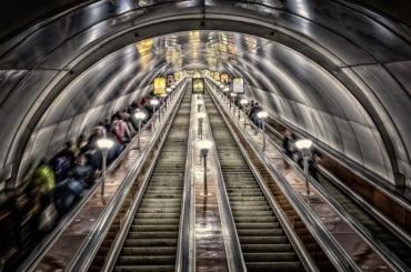 Петербургское метро сегодня будет работать всю ночь