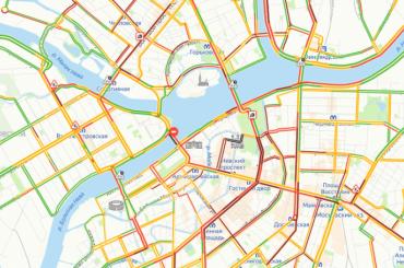 Вцентре Петербурга возникли огромные пробки из-за перекрытия Дворцового моста