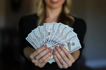 Петербуржцам рассказали, закакую работу платят полмиллиона рублей
