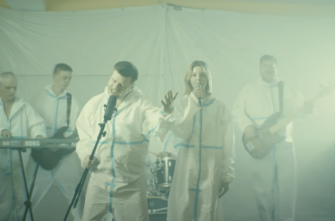 Рок-группа врачей выпустила клип «Воздуха мало»