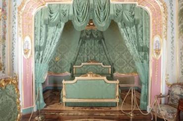 ВЛомоносове открыли два отреставрированных зала Китайского дворца