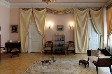 Музей Пушкина наМойке, 12, закрыт до30июня