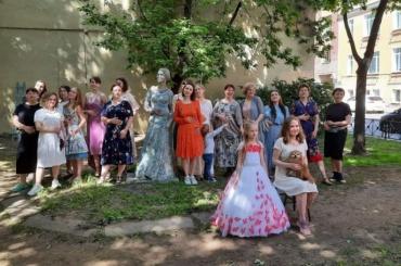 Перед реставрацией уВенеры Коломенской провели фотосессию вплатьях