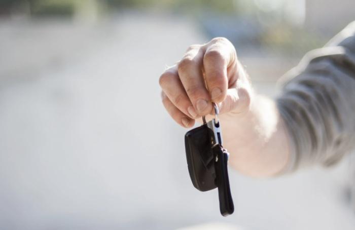 Заполгода продажи автомобилей вПетербурге выросли на55%