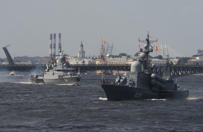 ВПетербурге прошла первая репетиция Главного парада ВМФ