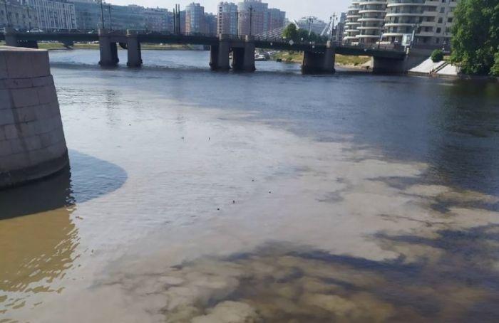 «Экострой» опроверг информацию осливе отходов вКарповку