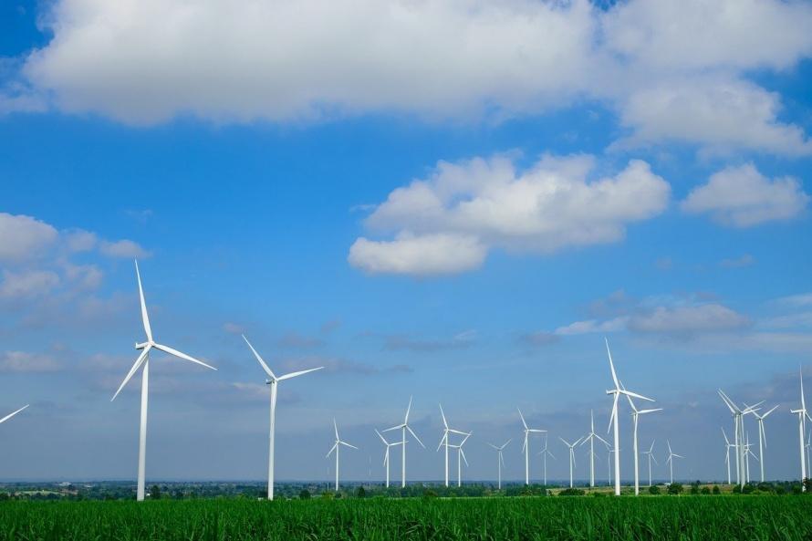 fields-of-wind-turbines-2707526_1280.jpg
